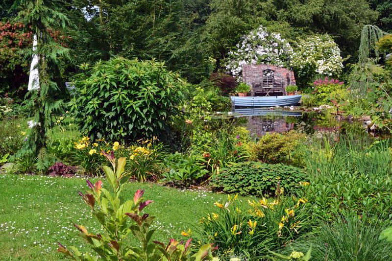 landhausgarten knospe parks und g rten. Black Bedroom Furniture Sets. Home Design Ideas